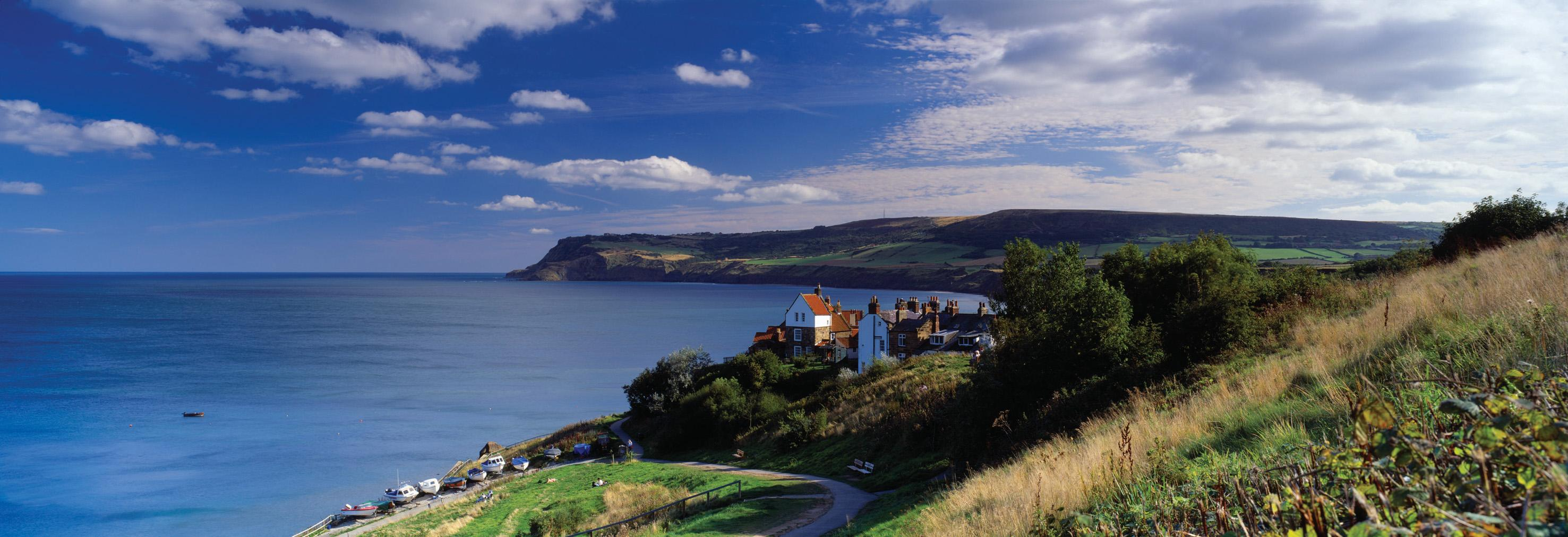 Picture of Robin Hood's Bay in summer (Mark Denton Photographic)