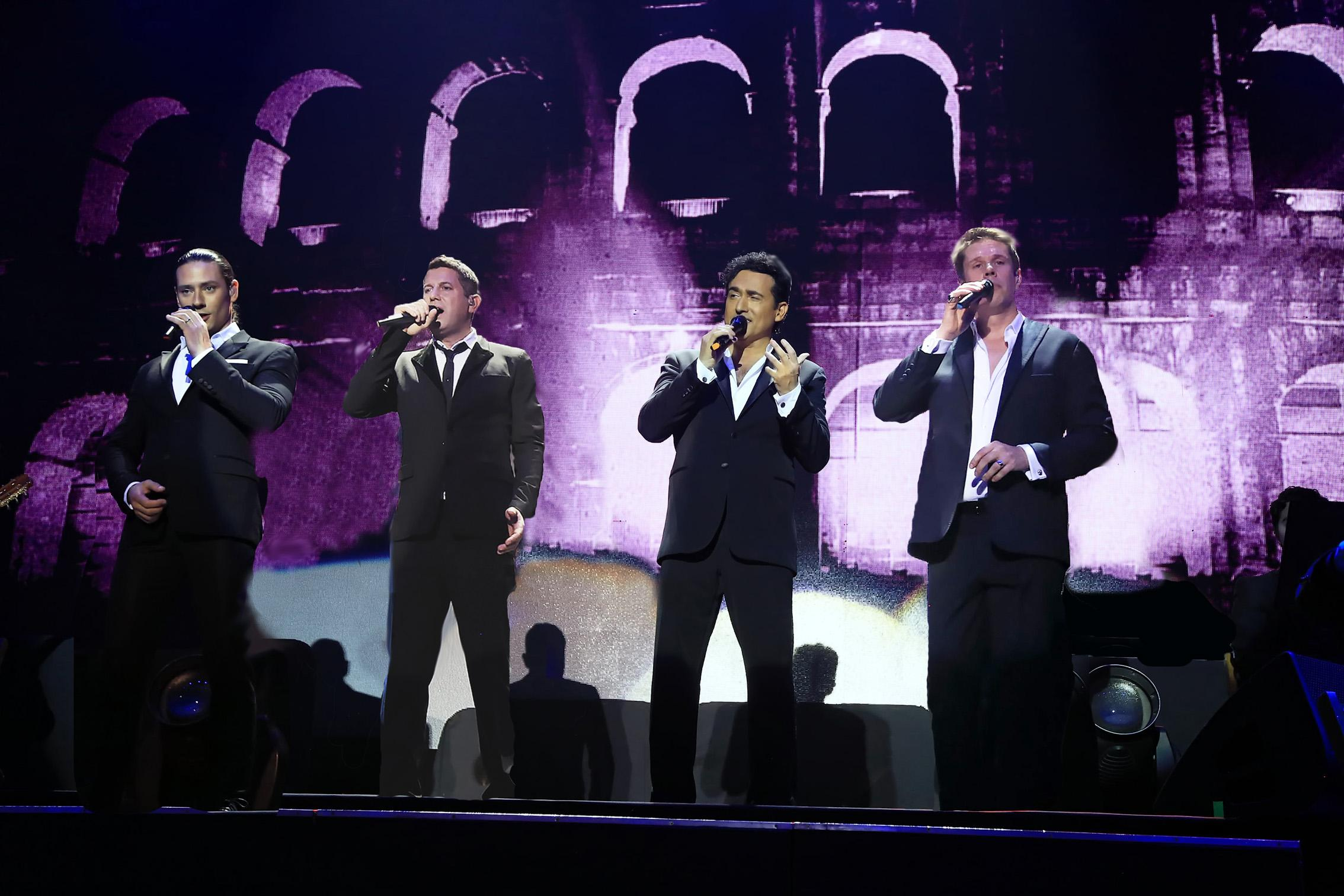 Picture of Il Divo on stage