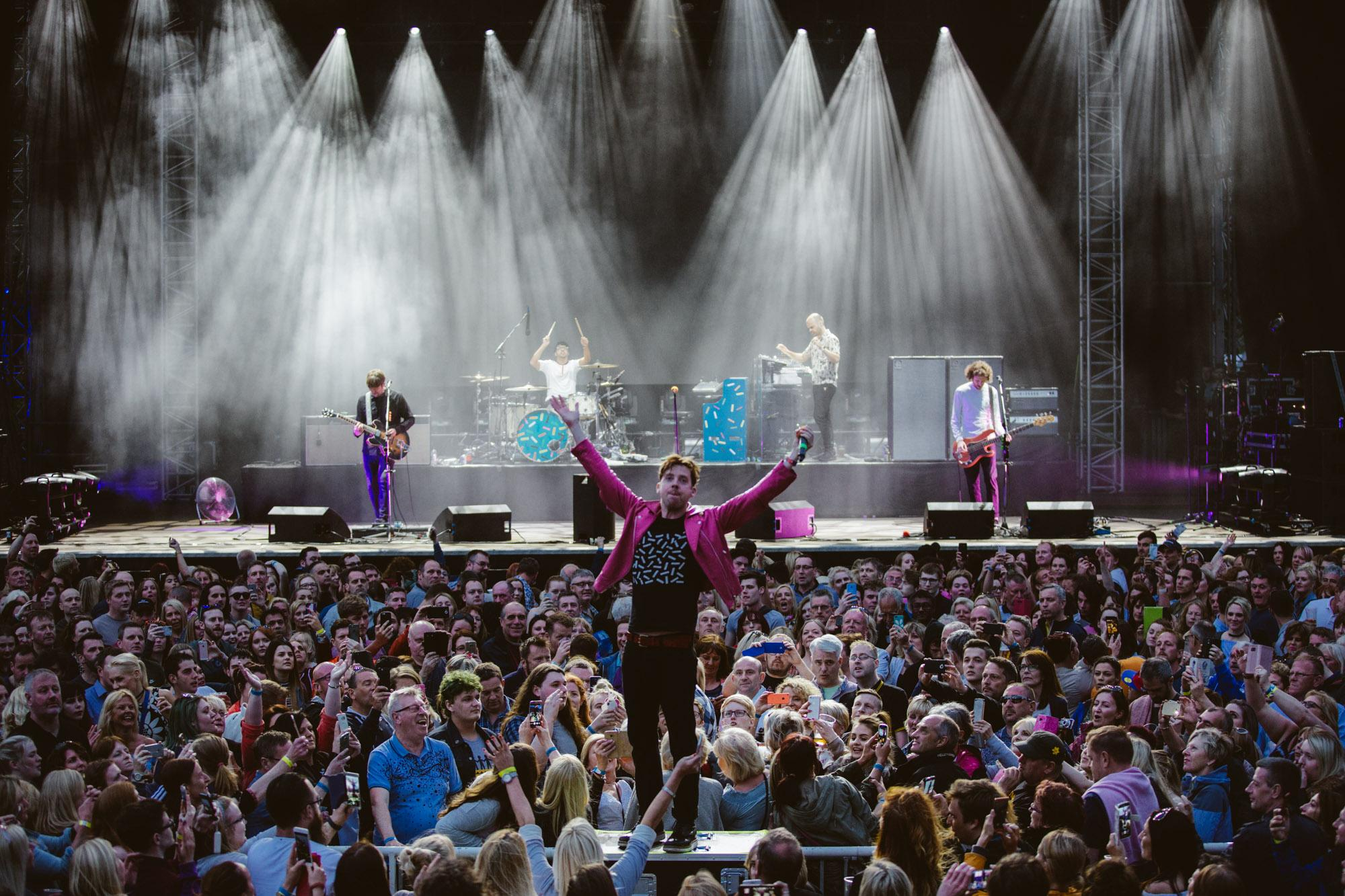 Picture of Kaiser Chiefs performing at Scarborough Open Theatre in 2017