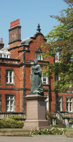 Scarborough Town Hall and Queen Victoria Statue